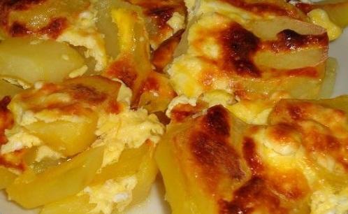 Картофи на фурна с яйца
