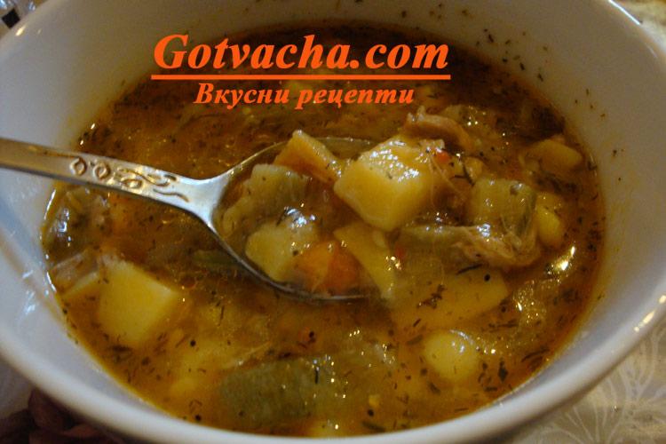 Яхния с картофи, тиквички и пилешко месо
