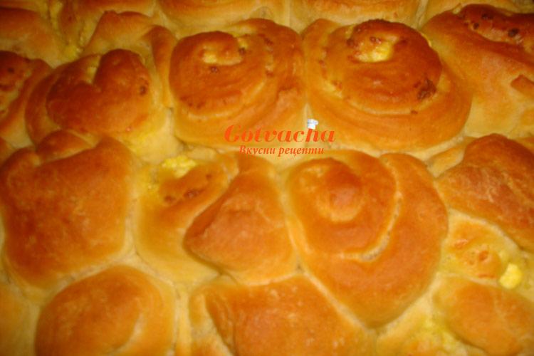 Рецепта за домашна питка със сирене (тутманик)