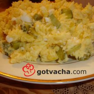 salata-s-vareni-kartofi,-majoneza-i-kiseli-krastavichki