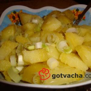 salata-vareni-kartofi-i-praz