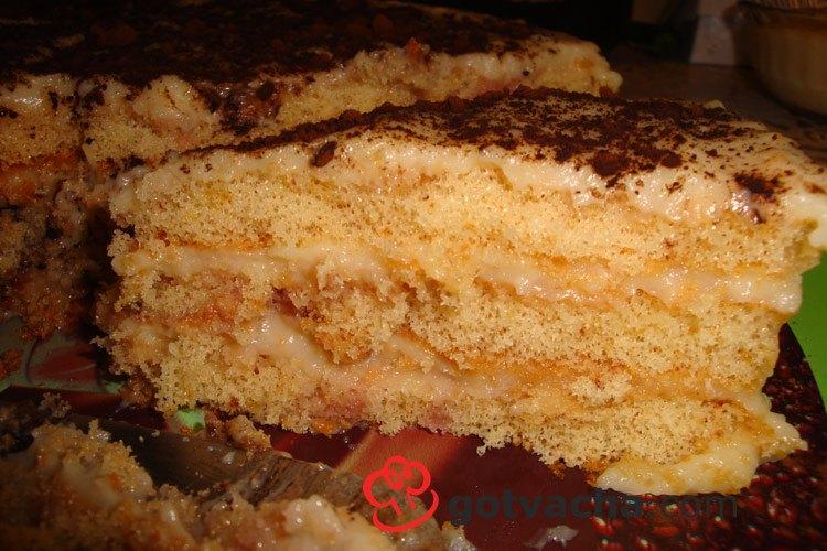 torta-s-gotovi-blatove-i-domashen-krem