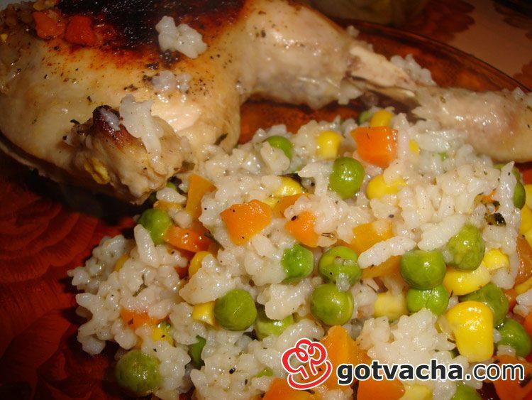 Пиле с ориз и зеленчуци на фурна
